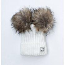 zimowa-czapka-dziecieca-z-pomponami-ecru